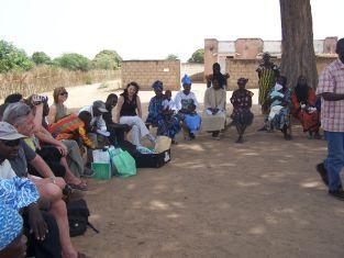 1ère réunion avec les représentants du village de PELEO